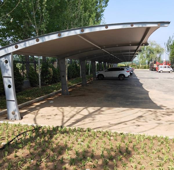 膜结构车棚膜布的安装及其车棚的注意事项